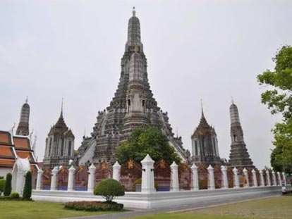 A typical pointed pyramid temple in Udon Thani