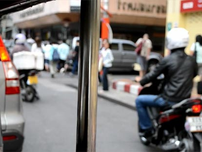 Sukhumvit street scene from tuktuk